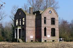Sas van Gent, Poeldijk 43: Directeurswoning Glasfabriek