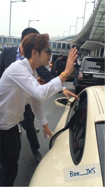 [Pics-2] JKS returned from Beijing to Seoul_20140427 14035589114_b9ea6b40b2_z