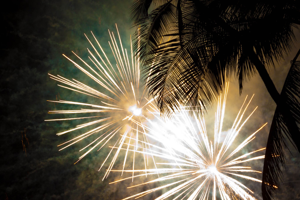 Free Fireworks in Waikiki on Fridays