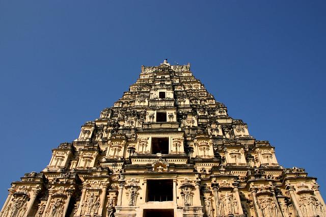 5455987874 768b10804d z - Los templos Vímana en la India