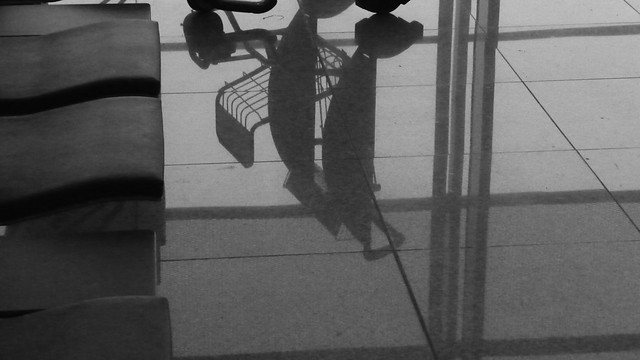 Trolly shadow