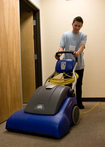 industrial-carpet-cleaning-2