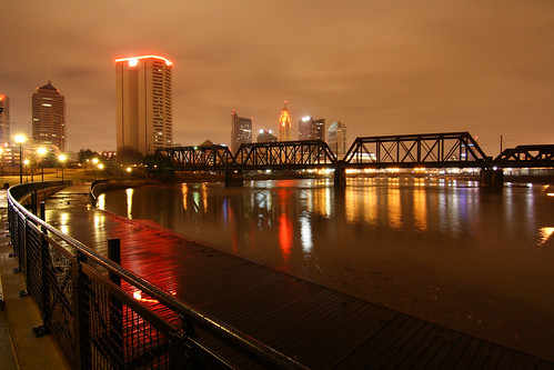 skyline columbusohio railroadbridge sciotoriver downtowncolumbus northbankpark