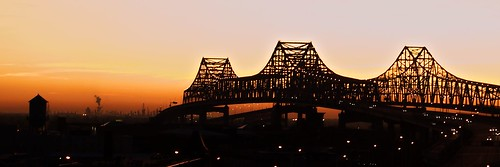 bridge water silhouette skyline sunrise buildings river downtown cityscape neworleans mississippiriver nola gnobridge twittertuesday