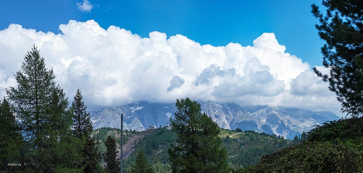 Marilleva 1400, Trentino, Trentino-Alto Adige, Italy, 0.001 sec (1/1250), f/8.0, 2016:06:29 13:51:31+00:00, 70 mm, 70.0-300.0 mm f/4.5-5.6