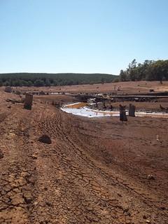 Looking a bit dry, Wellington Dam 03/2011