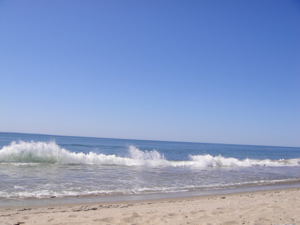 Hotels Near East Matunuck State Beach