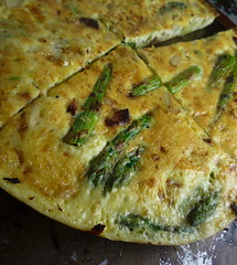 meal, breakfast, vegetable, frittata, flatbread, murtabak, food, focaccia, dish, cuisine, quiche, tortilla de patatas, omelette,