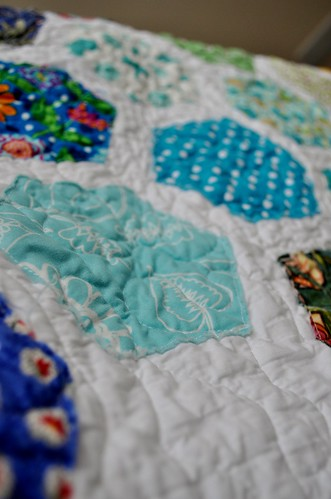 TNT Quilt ~ Quilting Close-up