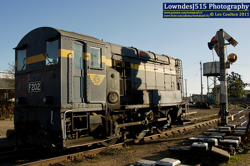 F202 at Seymour by Les 'LowndesJ515' Coulton
