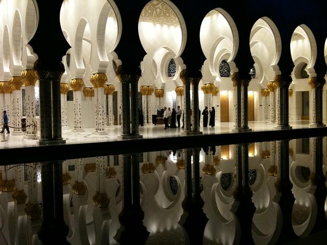 La espectacular Mezquita Sheikh Zayed en Abu Dabi 5692906343_690b91fb8f_z