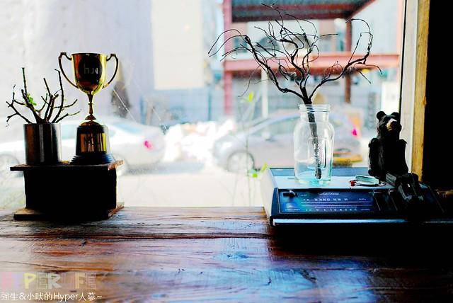 brunch,fengjia,Hun,Hun2,menu,nightmarket,下午茶,價格,台中,台中早午餐,台中西屯早午餐,咖啡廳,夜市,好吃,意式,早午餐,美食,菜單,複合式餐廳,西屯,西式甜點,逢甲,逢甲商圈,雜貨,鬆餅,麵包 @強生與小吠的Hyper人蔘~