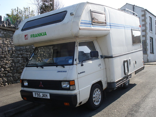 1989 Mitsubishi L300 Camper
