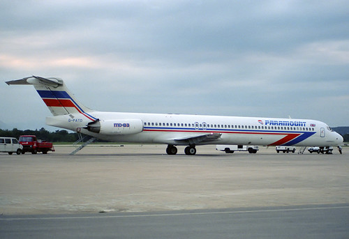Paramount MD-83 G-PATD GRO 14/05/1989