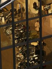 Reflets_scooters et passants
