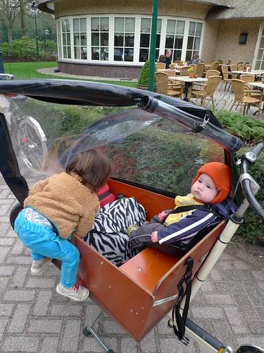 p1-climbs-into-bakfiets-cargobike-2