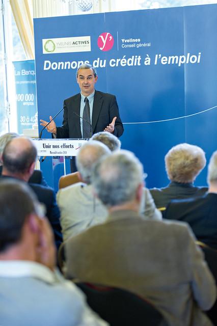 Signature d une convention entre l association for Yvelines actives