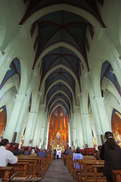 St. Joseph's Cathedral (Nha Tho Lon) - Towards The Altar
