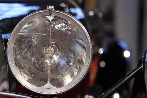Bugatti Typ 43 Grand Sport headlight
