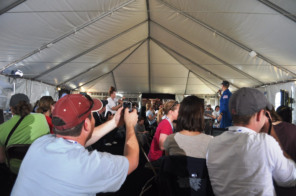 Astronaut Clay Anderson Speaks to a #NASASocial Group.