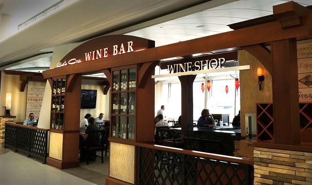 Airport Wine Bar | Wine Bar Design | Airport Decor Design ...
