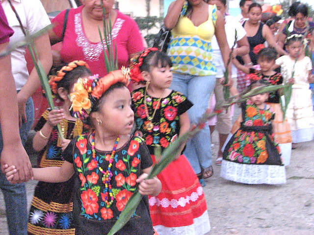 tehuantepec girls The market in this town on southern mexico's steamy isthmus of tehuantepec is memorable for the women who run juchitan : girls become vendors almost as.