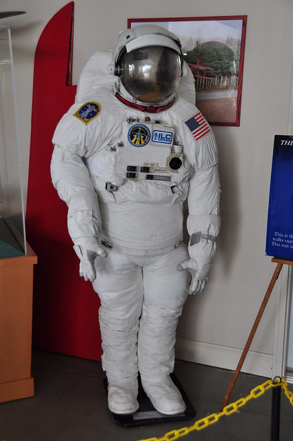 Make an apollo space suit pics about space for Space suit design