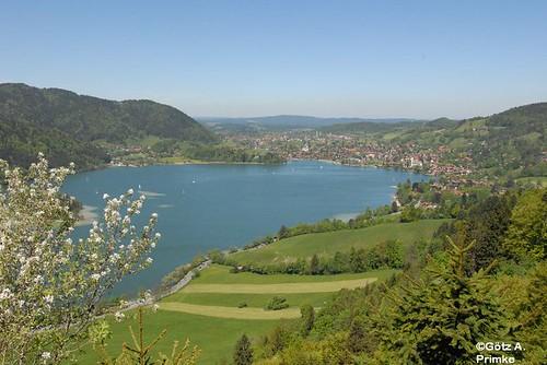 Geniesserlandregion Tegernseer Tal Herzogliches Brauhaus Wanderwege in Bayern  Schliersee 08 Mai 2011_14