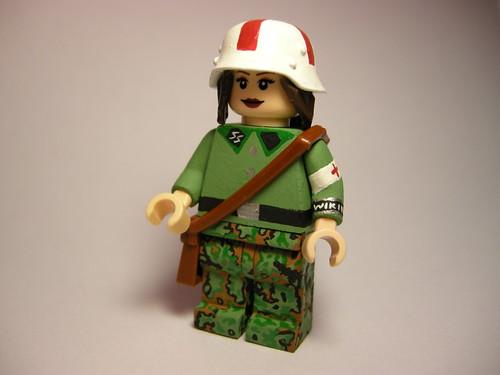 Waffen SS sanitäter (medic) LEGO