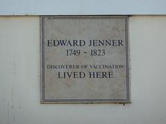 Photo of Edward Jenner white plaque