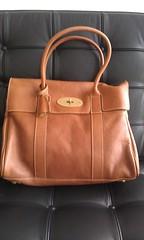 bag(1.0), shoulder bag(1.0), brown(1.0), handbag(1.0), leather(1.0), tote bag(1.0), tan(1.0),