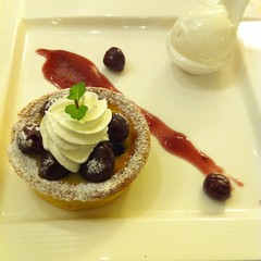 Black Cherry Tart with ice yogurt cream