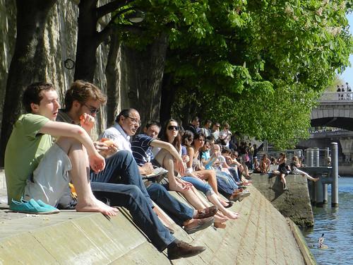 Tomando sol en el Sena
