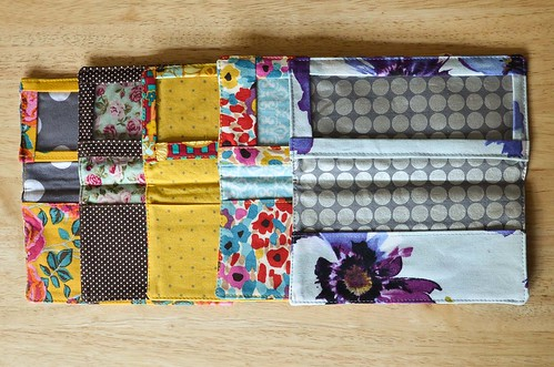 Tutorial: Fabric Checkbook Covers with Vinyl Window