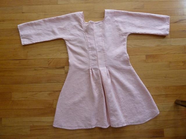 pink linen shortgown back