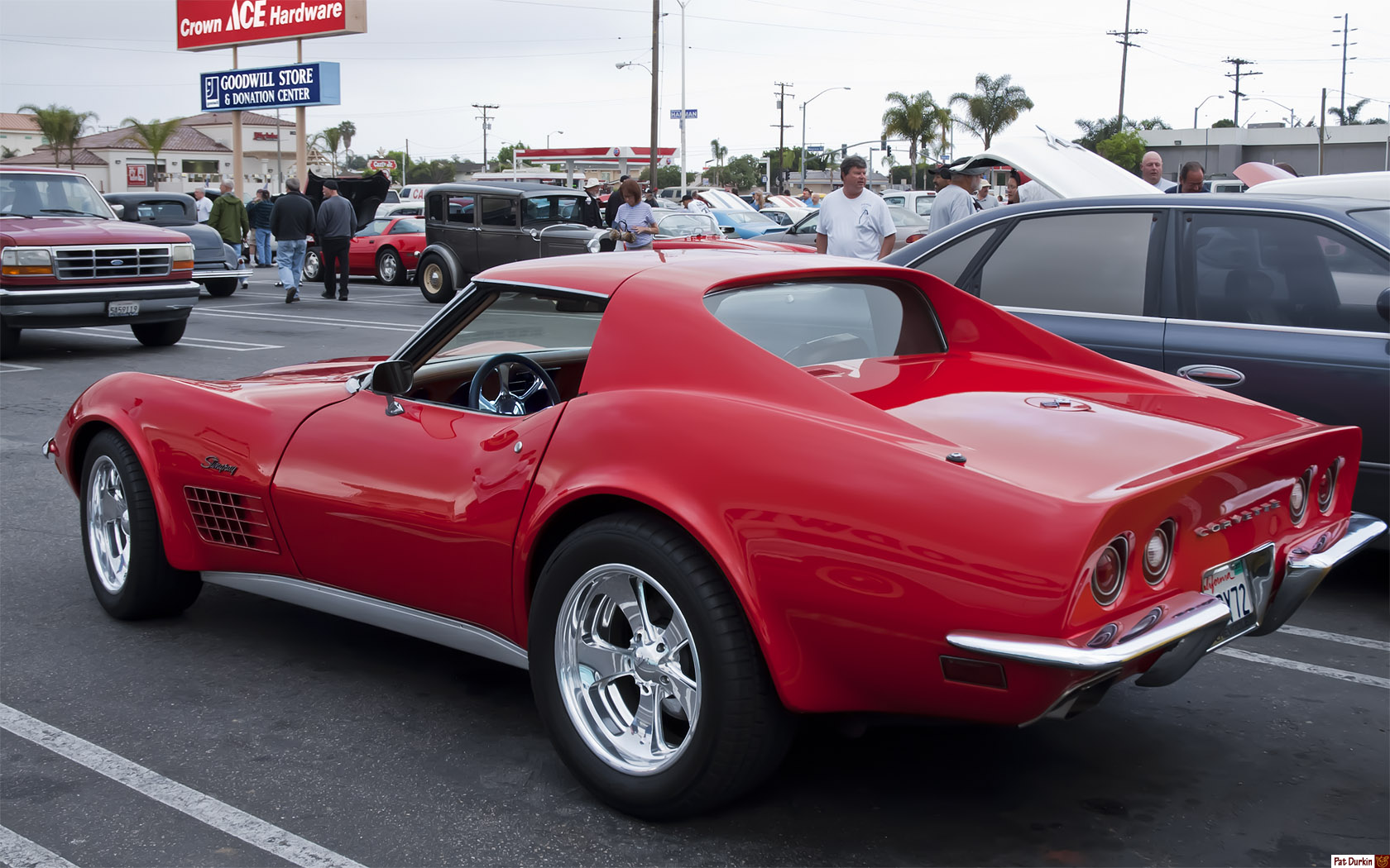 1972 Chevrolet Corvette Stingray Coupe with Removable T-Top - red