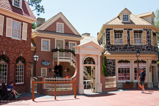 WDW April 2011 - Wandering through Liberty Square