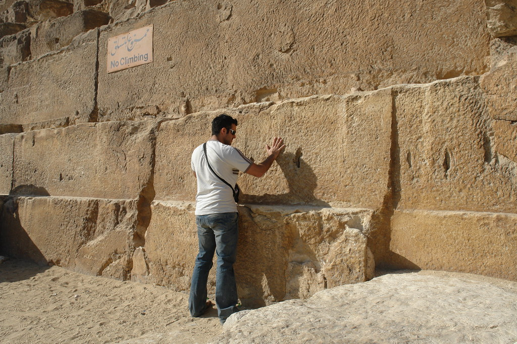 Desde fuera, ya quería sentir lo que me iba a encontrar en su interior ... historia, mágia ... el faraón [object object] - 5675396212 6fa271cbc4 b - Keops, en el interior de la Gran Pirámide