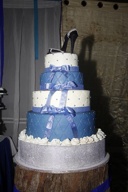 Stiletto Topper Debut Cake by Yunah Delle Polintan of L&B Cakesa