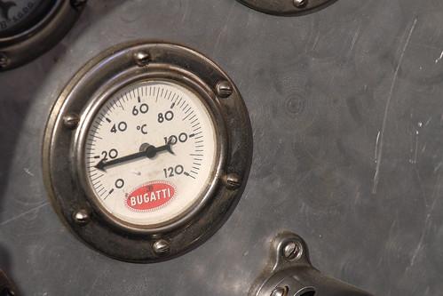 Bugatti Typ 43 Grand Sport water temperature meter