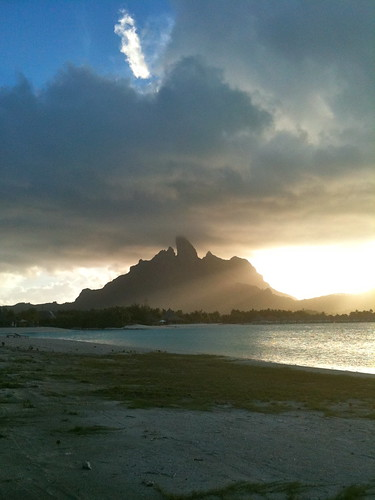 sunset sunlight beach clouds hotel lagoon resort southpacific tahiti tropics borabora stregis starwood otemanu mtotemanu stregisborabora