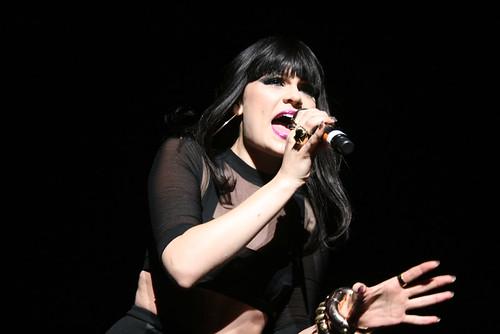 Jessie J - Think About That
