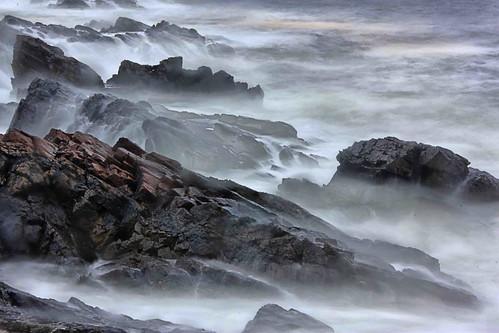 ocean york sea storm canon way dawn coast rocks waves maine atlantic angry ogunquit marinal waterfallguy