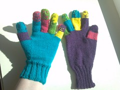 Finger puppet gloves
