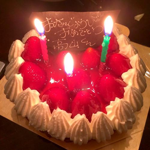 Namak Cafeのシンさんからサプライズのバースデーケーキが!