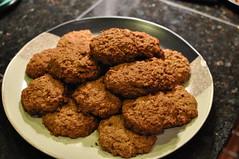 anzac biscuit, vegetarian food, baked goods, cookies and crackers, food, dessert, cookie, cuisine, snack food, fast food, falafel,