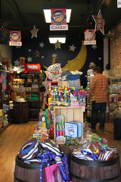 moon pie store, chattanooga