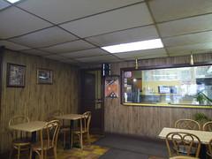 土, 2011-04-09 13:03 - Glenda's Restaurant店内 治安の悪かった頃が偲ばれる