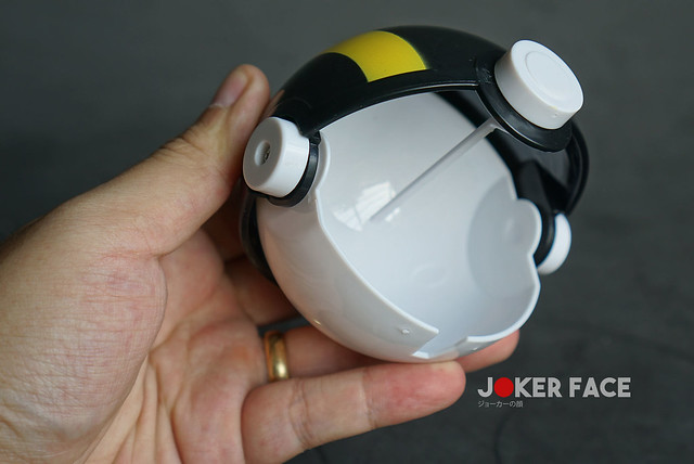 Bóng Ultra Ball bẫy sập - Pokemon