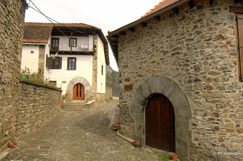 Isaba, Valle de Roncal, Navarra by Rufino Lasaosa